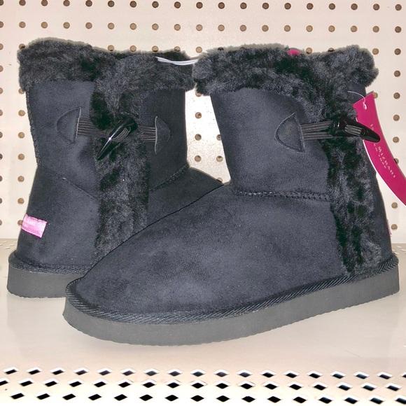 290da02d9b8 NIB Isaac Mizrahi Short Toggle Flat Boot